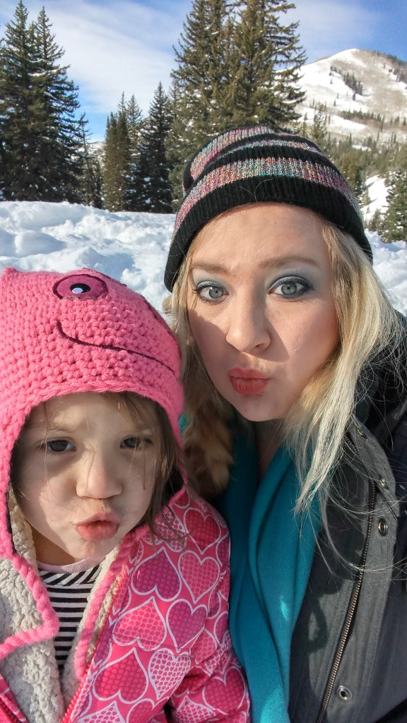 onyx and blush kissy face snow