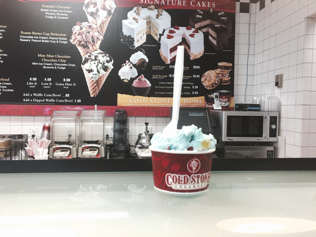 onyx and blush ice cream treats1